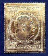 GENERAL DE GAULLE- NIGER-  TIMBRE GAUFRÉ OR GRAND FORMAT DENTELÉ-  POSTE AÉRIENNE- 1000 Fr- NEUF**-  GOMME INTACTE - De Gaulle (General)