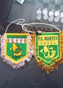 2 Fanions Du Football Club Nantes - Habillement, Souvenirs & Autres