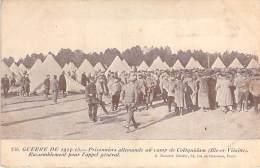 MILITARIA ( Guerre 1914-1915 ) Prisonniers Allemands Au Campt De COËTQUIDAM : Rassemblement Pour L'appel Général - CPA - Guerre 1914-18