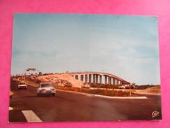 CPA PHOTO 85 PONT DE NOIRMOUTIER VOITURES ANCIENNES - Noirmoutier
