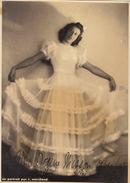 Grande Photo Autographe De Livine Mertens Soprano Pour Madame Misson 22x16cm - Autographes