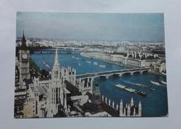 LONDON - RIVER THAMES (6468)