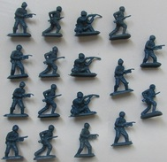 Figurines Monochromes Soldat Ho 1/72,  17 Pièces - Small Figures