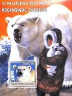 NB- Mozambique 2002 - O Mundo Do Mar - Animaux, Ours Blanc, Bébé Ours, Esquimau