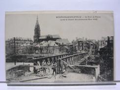 07 - MEZIERES CHARLEVILLE - LE PONT DE PIERRE APRES LE DEPART DES ALLEMANDS - ANIMEE - 1919 - Charleville