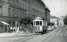 Fribourg. Gare CFF. Tramway Ligne 2. Photo Jacques Bazin. 4 Septembre 1959.