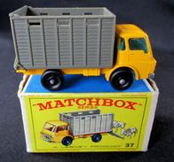 LESNEY - MATCHBOX *** NR 37 - CATTLE TRUCK  -  ORIGINAL BOX - VOITURE CONDITION A - EN BOITE ORIGINALE *** 1966 - Jouets Anciens