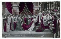 Napoleon 1er Le Couronnement Couronne Pretre Rituel - 2 SCANS - Politicians & Soldiers