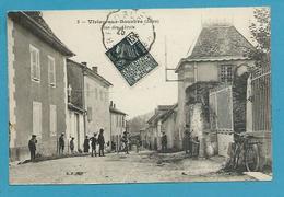 CPA 3 - Rue Des Abrets VIRIEU-SUR-BOURBRE 38 - Virieu