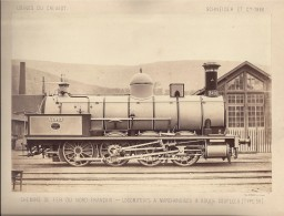 Photo Sur Carton Usine Du Creusot Schneider 28cm X 21.5cm Photo 25cm X 17cm  Une Machine Du NORD TYPE 59 - Trains