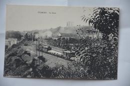 ETAMPES-la Gare-trains En Gare - Etampes