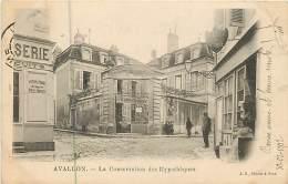 AVALLON LA CONSERVATION DES HYPOTHEQUES LE BUREAU DE TABAC - Avallon