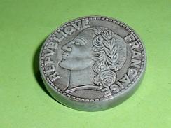 Fèves / Autres / Divers : Piece De Monnaie , 5 Francs          T40 - Fèves