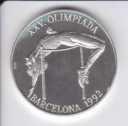 MONEDA DE PLATA DE CUBA DE 10 PESOS DEL AÑO 1990 DE LA OLIMPIADA DE BARCELONA 92 (COIN) SALTO DE ALTURA (OLIMPIC GAMES) - Cuba