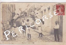 33 Bordeaux Entrainement Dans Une Rue Le Cerceau (groupe Georges Ferriere) Carte Photo - Bordeaux