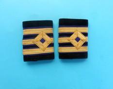UNKOWN NAVY RANKS - Marine Kriegsmarine Marina De Guerra Rank Grade Militaire Grado Rang * Jugoslavia Navy ?? - Headpieces, Headdresses