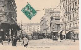 CPA - 69 - LYON - Place Des Cordeliers - Petit Pli Coin Gauche - 008 - Lyon