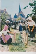 """CPM 10X15 . THAUMIERS (18) Partie De QUILLES Au Village .  Groupe Folklorique Les """"FORESTINS"""" - Other"""
