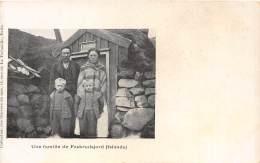 ISLANDE / Une Famille De Faskrudsjord