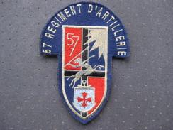 Insigne Du 57 ème Régiment D'atillerie - Armée De Terre