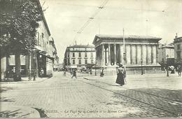 NIMES...la Place De La Comédie Et La Maison Carrée..animée...années 10/20 ...non Voyagée......14 X 9 - Nîmes