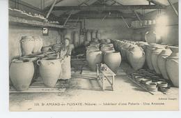 SAINT AMAND EN PUISAYE - Intérieur D'une Poterie - Une Anseuse - Saint-Amand-en-Puisaye