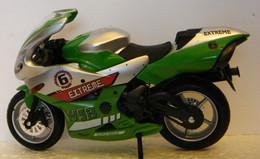 MONDOSORPRESA,(SC72) MODELLINO MOTO DA CORSA ANONIMO - Moto