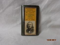 FERROVIE NORD MLANO 1947 TESSERA SETTIMANALE + CUSTODIA PORTA BIGLIETTO IN METALLO - Treni