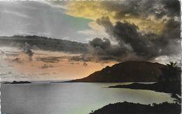 Nouvelle Calédonie - Coucher De Soleil Sur Le Mont D'Or (Mont-Dore) à Plum - Carte N° 40 Non Circulée - Nouvelle-Calédonie