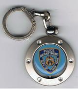 Porte Clef  Rotatif   Police  New_York   Diamètre  40 Mm  épaisseur 5 Mm - Police