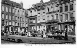 MAUBEUGE: Place Du Marché Aux Herbes - Maubeuge
