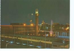 Parliment House Brunei Night Time Water Fountain In Full Blast Sw Singapore Postcard Issue D'un Carnet - Brunei