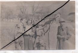"""Scionzier , Militaria  Photo Au Verso  Datée 1940  , """"281eme Regiment"""" - Scionzier"""