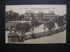 Paris-Le Palais Et Le Jardin Du Luxembourg