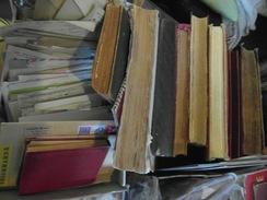Superbe Lot Timbres Anciens Monde Entier Avec Très Beau Timbres Classique, Plus De 180 Photos Très Grosses Valeur