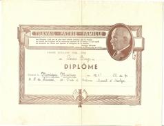 Travail - Famille - Patrie, Gouvernement Pétain, Francisque, Année Scolaire 1942 - 1943. Diplôme Décerné à ......... - Diplômes & Bulletins Scolaires