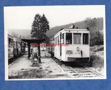Photo Ancienne - Gare à Situer - EREZEE ? DOCHAMPS ? - Tramway Touristique De L' Aisne - Chemin De Fer Belge Train Wagon