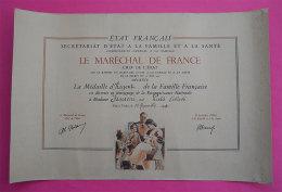Ww2 Magnique Diplome Médaille Famille Française 1941 Décéerné Maréchal P.Petain Illustré RARE - Documents Historiques