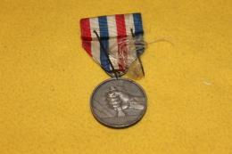 Médaille Des Cheminots 1951 - Francia