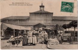 Sainte Hermine Les Halles Un Jour De Marché - Sainte Hermine