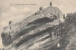 Militaires - Chasseurs Alpins Dans La Montagne