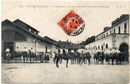 FONTAINEBLEAU - 7° Dragons - Jeunes Chevaux Partant Au Manège     (95369)