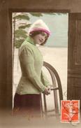 CPA FANTAISIE FEMME .  LUGE .BONNE ANNEE . 1914 - Women