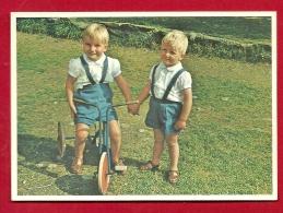 PRX-17 Le Tricycle, Quelle Attraction. Petits Garçons. Le Servan Foyer Et Pouponnière. Grand Format, Non Circulé - Groupes D'enfants & Familles
