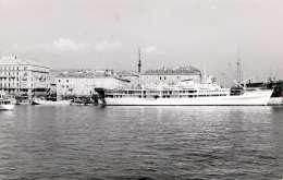 Jugoslawischer Dampfer Im Hafen Von ?, Fotokarte Um 1950 - Jugoslawien
