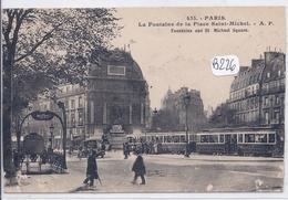 PARIS- STATION DE METRO ET PLACE SAINT-MICHEL- ENSEIGNE STYLE GUIMARD-LES AUTOBUS - Public Transport (surface)