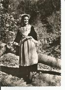Les Costumes De Bretagne  CHATEAULIN   Femme - Personnages