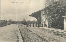17 Grand - Jean - La Gare - France