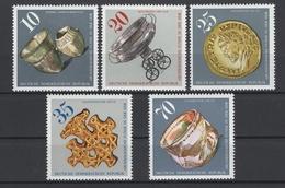 Allemagne DDR 1976 : Y&T N° 1858/62 **, MNH. Cote Y&T 2011 : 4,50 €. Fraicheur Postale !!