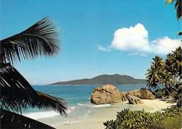 Afrique SEYCHELLES Beach Scene La Digue ( : Photo Peter ERBE 103) *PRIX FIXE - Seychelles